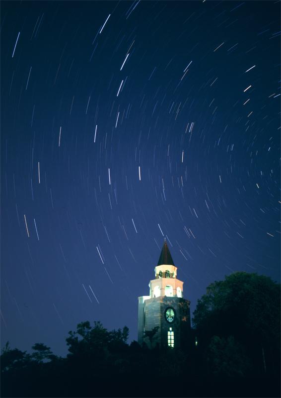 作東タワーと北斗七星